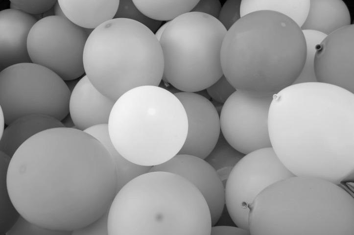 balloons-1869790_smlmono